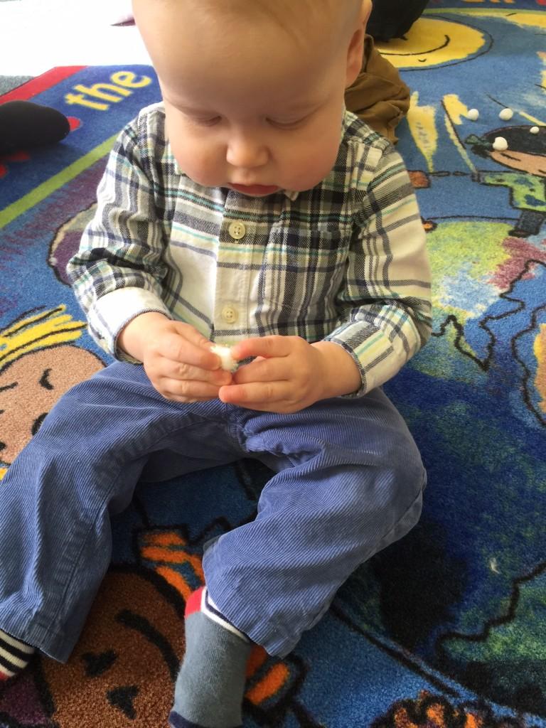 infant-sensory-play